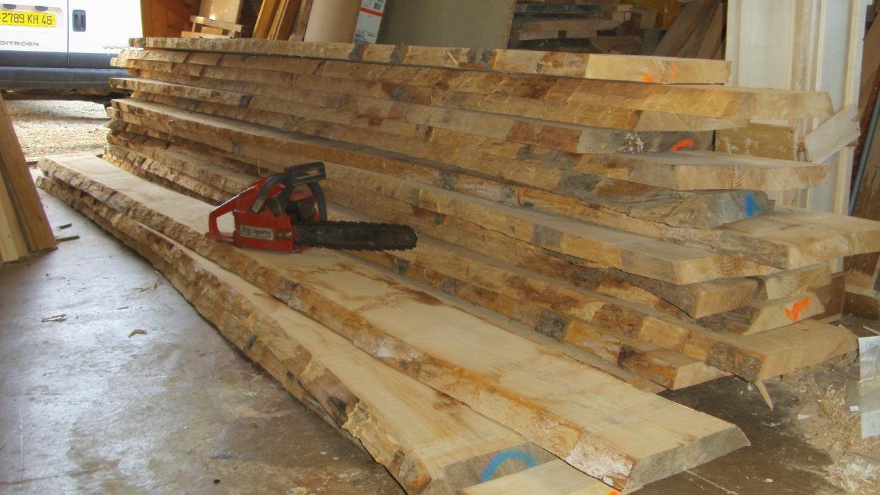 Le bois n'est plus le seul matériau travaillé par le menuisier Il  ~ Bille De Bois Synonyme